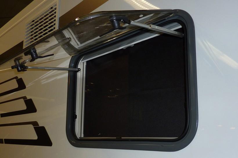 sonnenschutz fenster nachr stbar wohnwagen wohnmobil. Black Bedroom Furniture Sets. Home Design Ideas